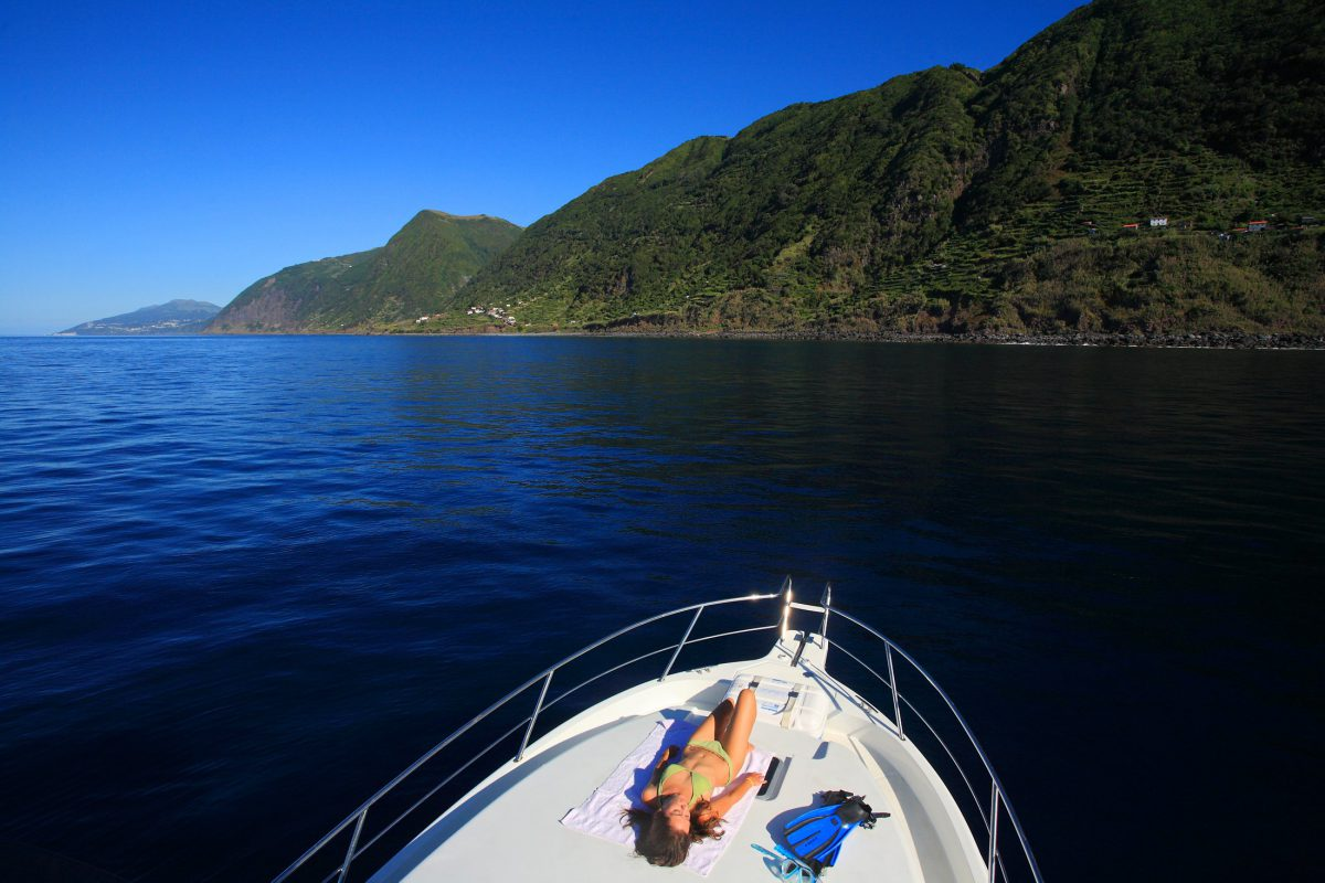 Passeios de Barco - Atividades Ilha de São Jorge Açores